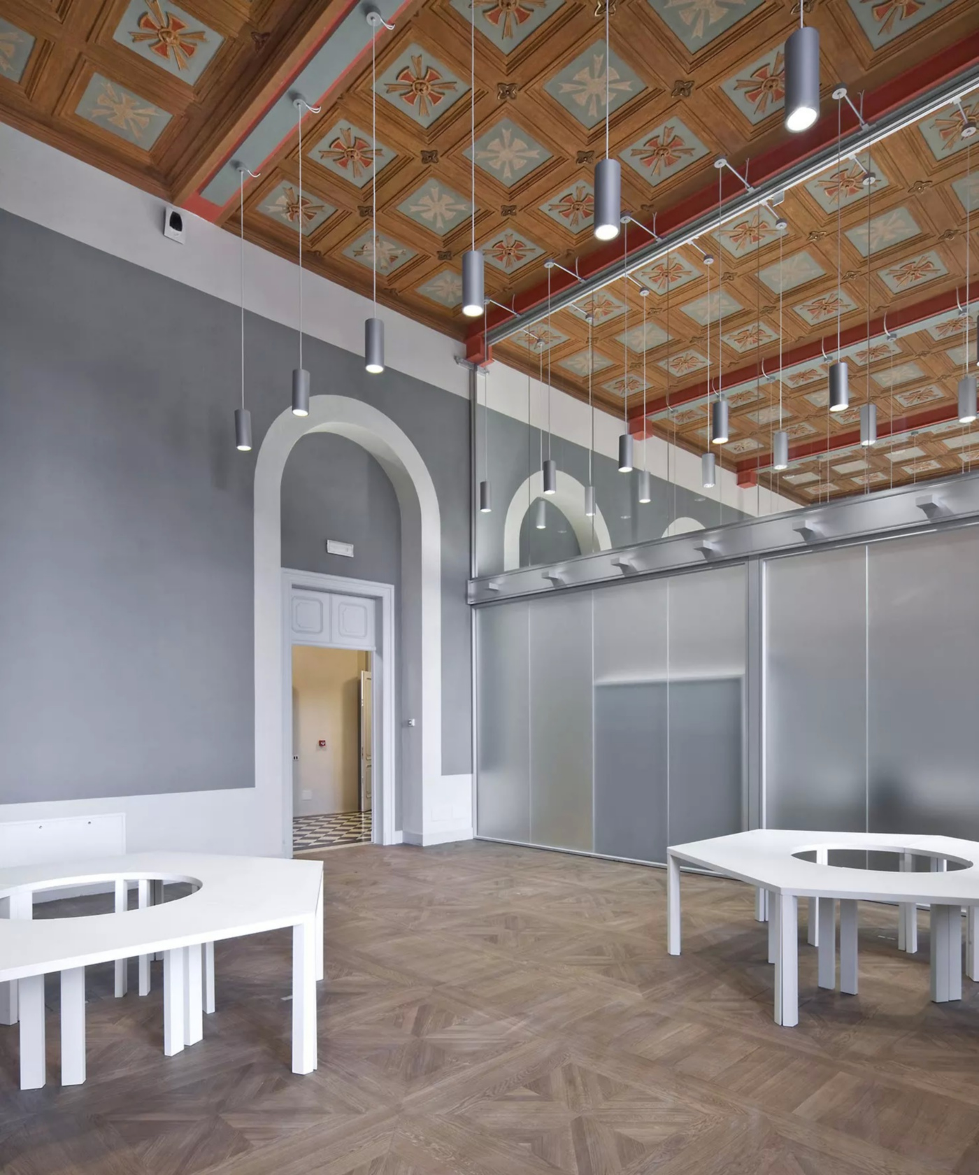 Restauro e trasformazione in uffici di un palazzo ottocentesco. Uffici e biblioteca nell'Ex-Sacrestia | Bottega di Architettura