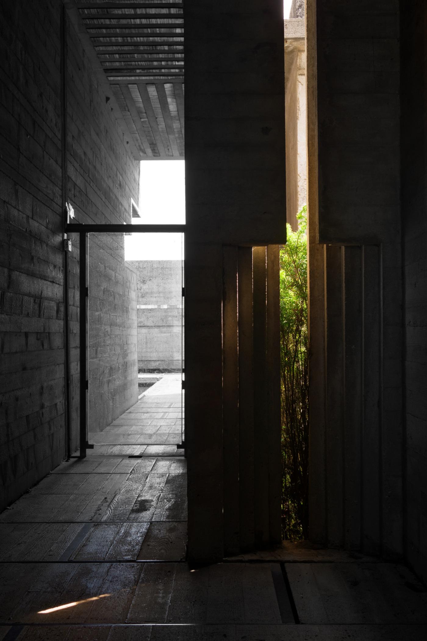 La Tomba Brion di Carlo Scarpa nelle fotografie di Carlo Deregibus | isola undicesima