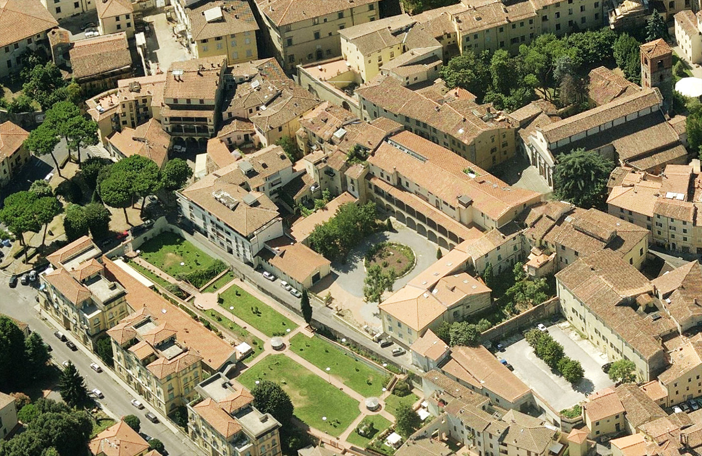 Una grande installazione sensoriale per il nuovo giardino di Palazzo Fabroni a Pistoia. Stato di fatto | Bottega di Architettura