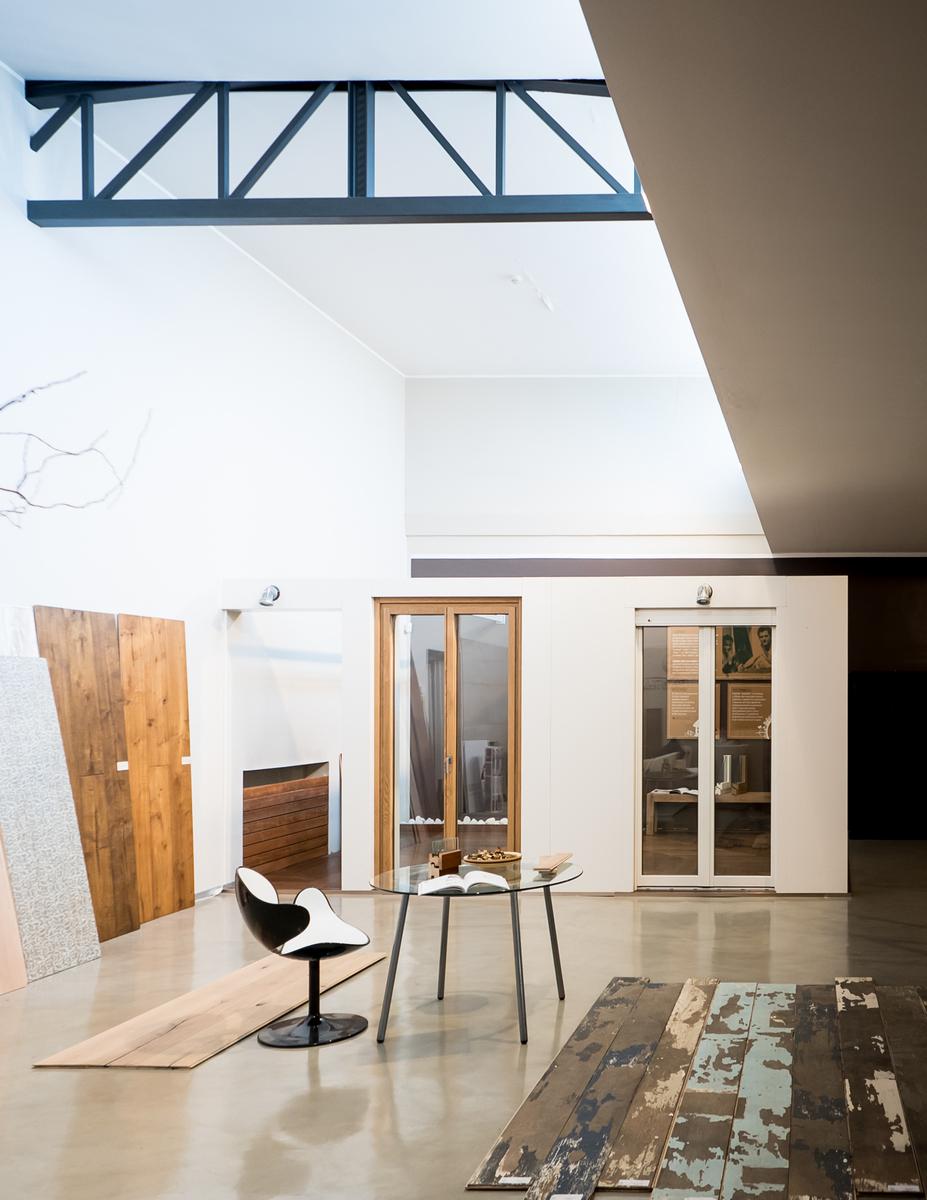 PARITAL | uno showroom nello showroom, un luogo in un luogo | la relazione con l'edificio | Bottega di Architettura